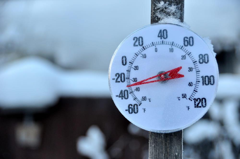 Термометр на морозе в -30